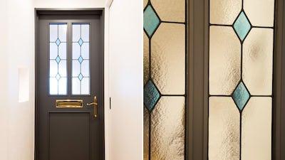 ドア窓を彩る!ダイヤ柄が並んだ「ラインアート」を製作した事例 (北海道札幌市 K様)