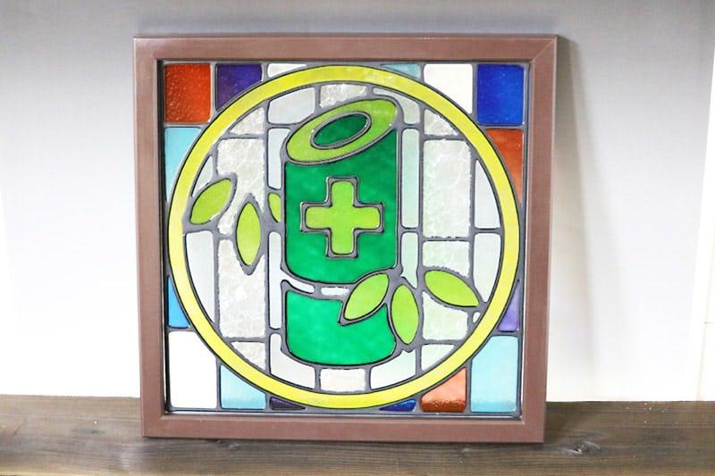 病院のシンボルマークを製作した「フルオーダーステンド」