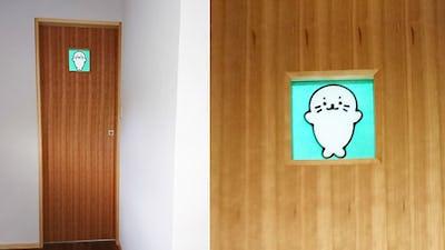 ドアの小窓にお気に入りキャラクターの「フルオーダーステンド」を設置した事例 (東京都町田市 T様)