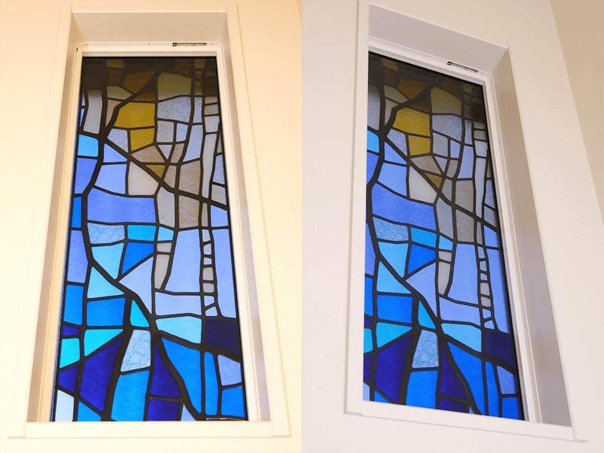 新築の窓ガラスに設置した「ステンドペアガラス」-屋内から見た様子