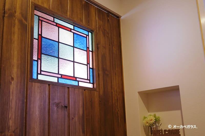 「フルオーダーステンド」が設置されたドア(2)