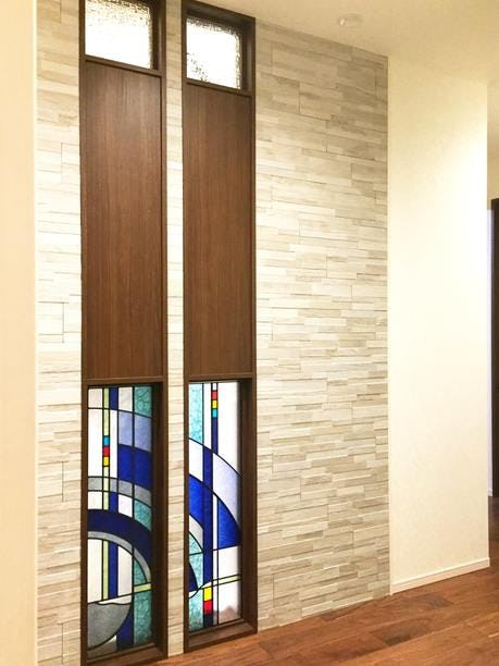 「ブリリアントモーメント K19」が設置された室内窓(1)