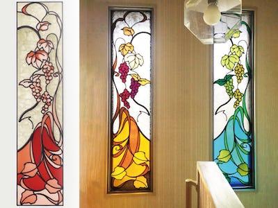 シンメトリーが美しいFIX窓!階段に「フルオーダーステンド」を使用した事例(三重県伊勢市 I様)