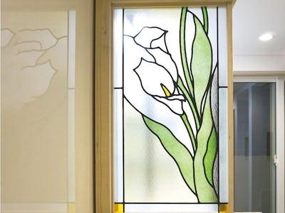 花柄の美しい間仕切りに!「ブリリアントモーメント」を使用した事例(神奈川県横浜市 S様)