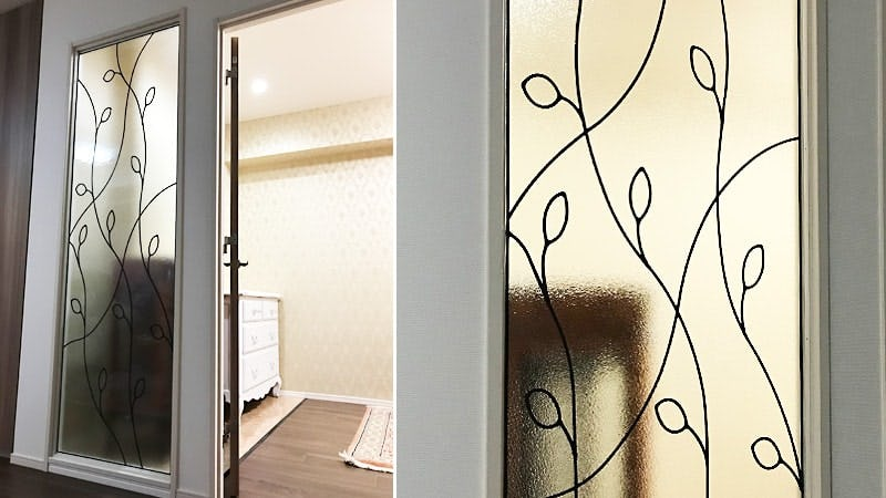 室内間仕切りに使用したステンドグラス「ラインアート」