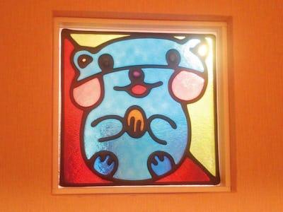 子供が描いた絵をステンドグラスに!「フルオーダーステンド」を小窓に使用した事例(M様)