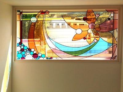 新築の明かり取り窓に!「フルオーダーステンド」を使用した事例(福岡県北九州市 K様)