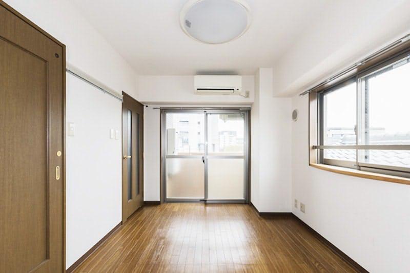 賃貸マンションのドア窓に設置したステンドグラス-設置前