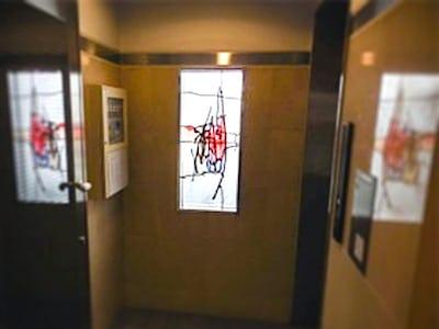 マンションの通路も明るく!出窓に「ブリリアントモーメント」を使用した事例(広島県広島市 N様)