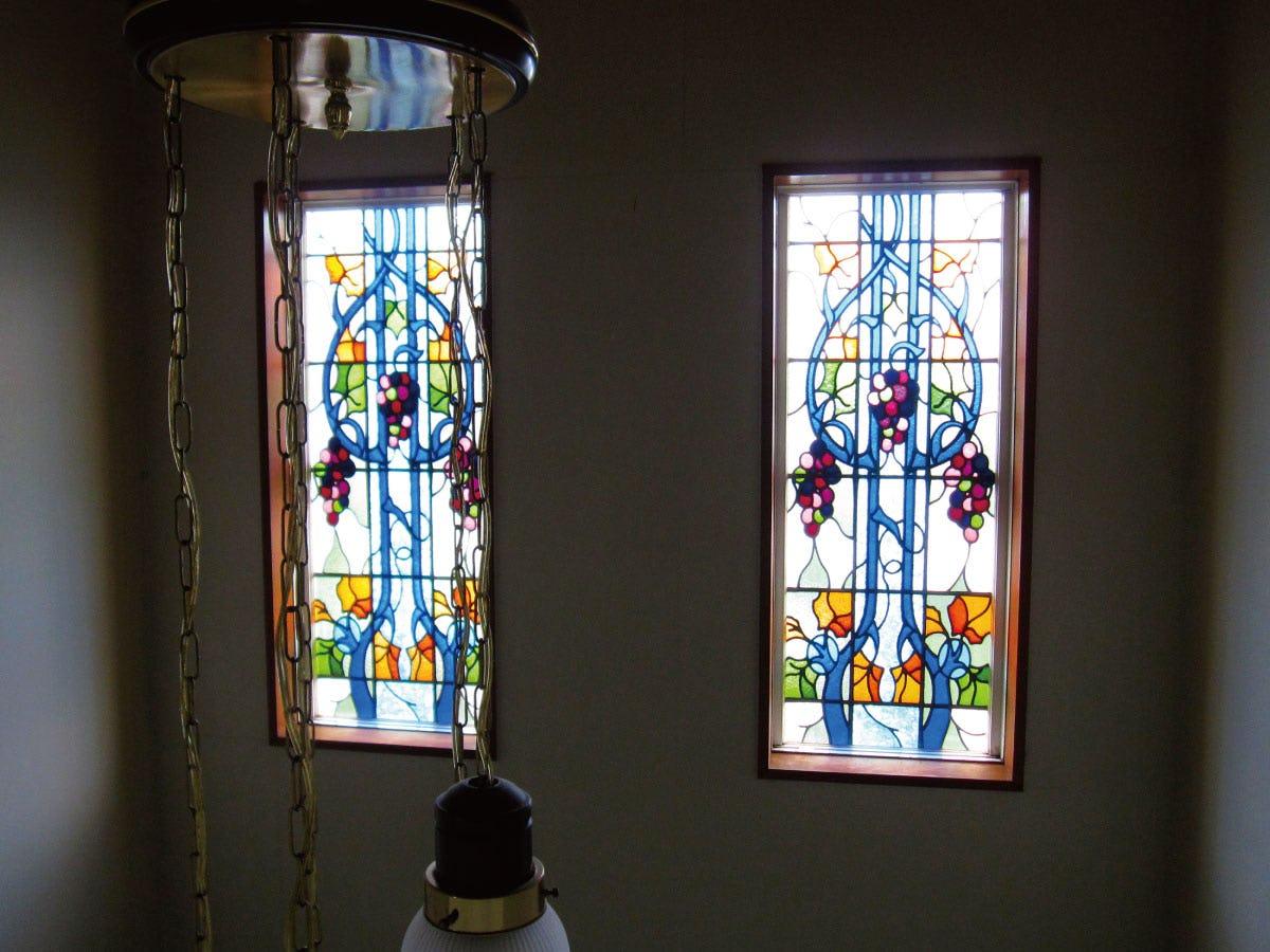 「ブリリアントモーメント K27」が設置された窓の様子