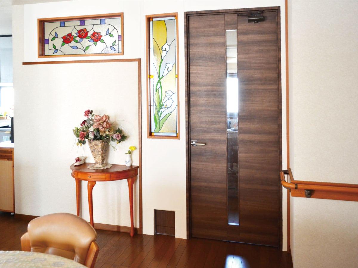 「エチュードEG022」と「ブリリアントモーメントG12」が設置されたお部屋の様子(1)
