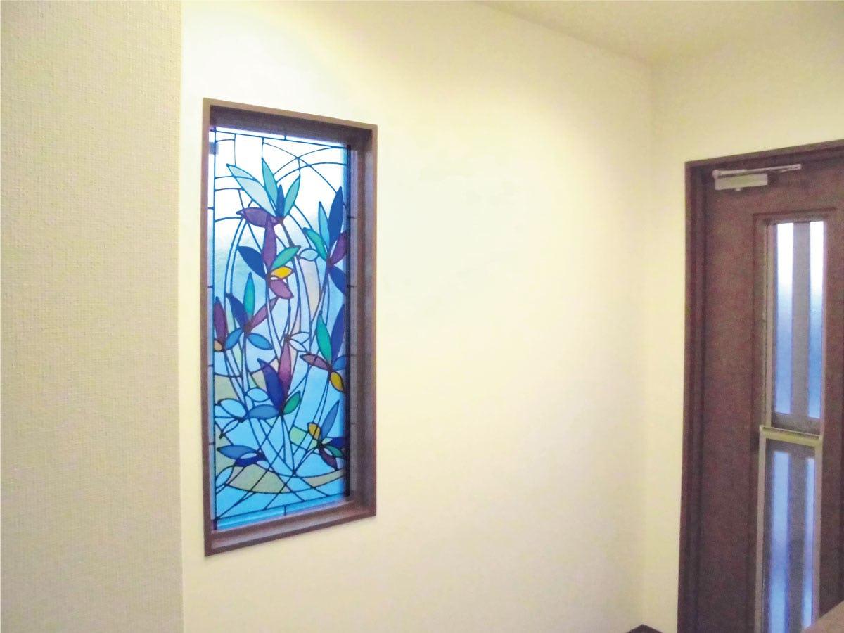「ブリリアントモーメントG06」が設置された玄関の様子
