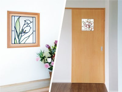 自宅の小窓に花模様の「ブリリアントモーメント」と「スクウェア」を使用した事例(茨城県K様)