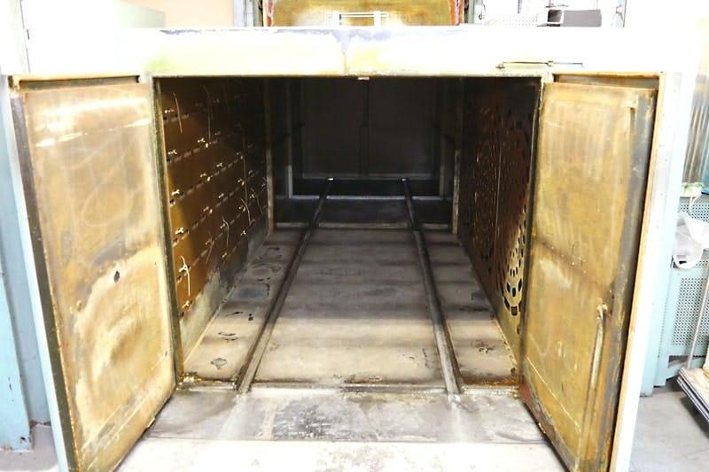乾燥炉の内部